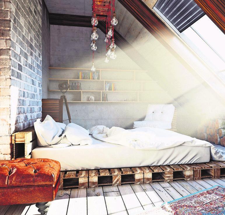 Warum nicht das Schlafzimmer ins Dachgeschoss verlegen? Foto: z/djd//iStockphoto