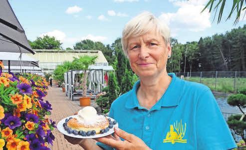 Heidelbeeren zum Selberpflücken und als Schlemmerei im Café gibt es auf der neuen Plantage an der Moorstraße.