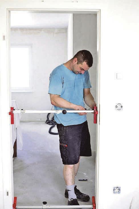 Im Rahmen der KfW-Förderungen für altersgerechte Umbauten wird auch die Beseitigung von Barrieren zwischen den Räumen bezuschusst.