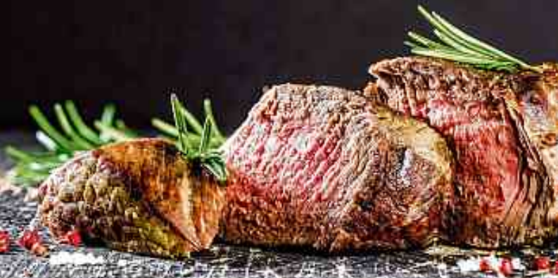 Bei Familie Nordmann ist jetzt wieder gesundes Fleisch von Bison, Galloway und Highland aus eigener Zucht und Schlachtung für den Festbraten zu Hause erhältlich. FOTO: FAM. NORDMANN/FOTOLIA