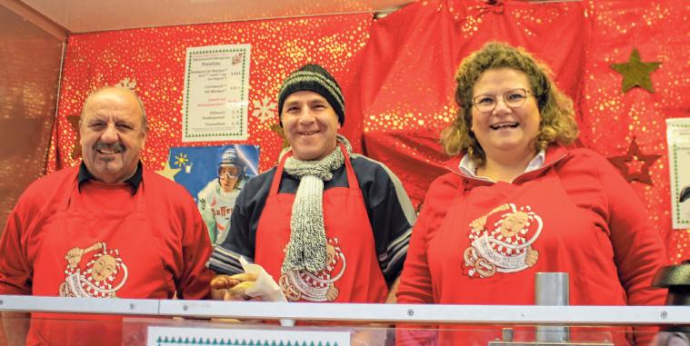 Der liebevoll ausgerichtete Nikolausmarkt in Weingarten erfreut sich seit 41 Jahren großer Beliebtheit bei Besuchern und Standbetreibern. Fotos: rosa Laner