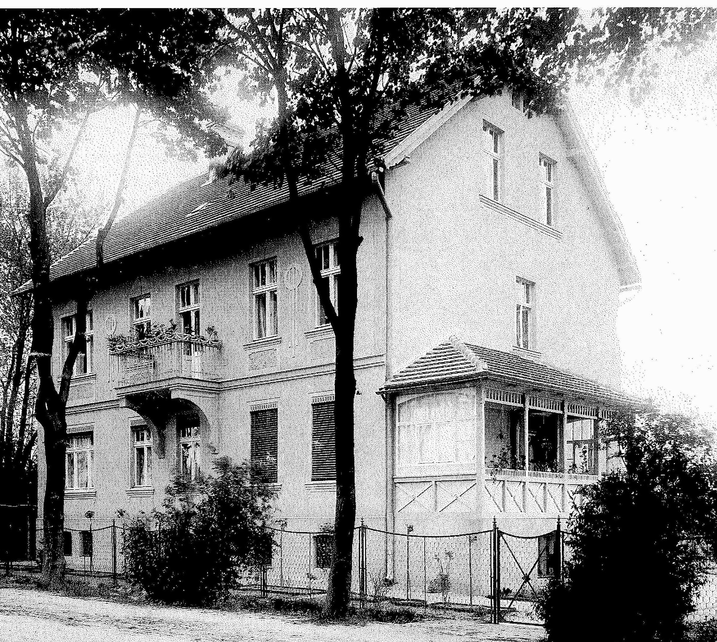 Das schmucke Haus auf einer Aufnahme aus der Zeit um etwa 1930. Foto: Barbara Seifert