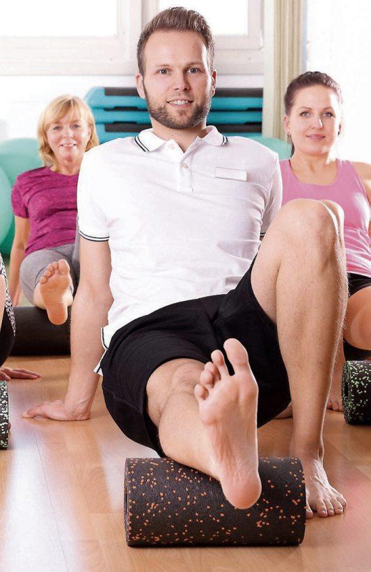 Viele Fitness-Studios bieten neben dem Gerätetraining auch zahlreiche Kurse an. Bild: © sabine hürdler - Fotolia.com