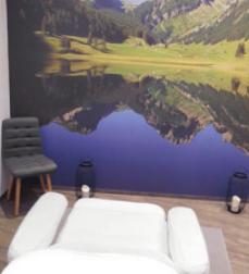 Eine Kosmetikbehandlung bei Overmann mit Blick aufs Alpen-Panorama