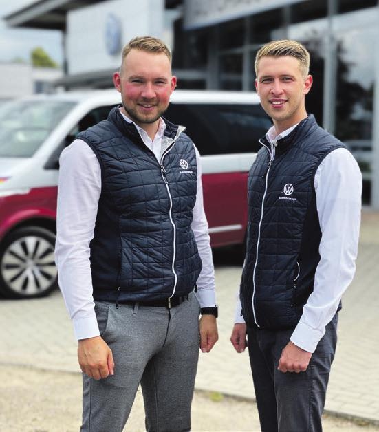 Ergänzen die Mannschaft im Autohaus Brandt: Fiete Reitzner (l.) und Robert Malukovs