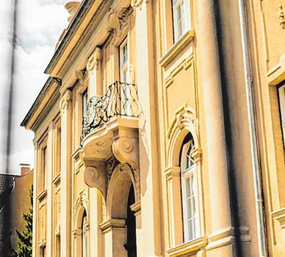 Die Fassade der Bölke-Villa zieren geschmackvolle Bauelemente. Fotos (2): wesocialit