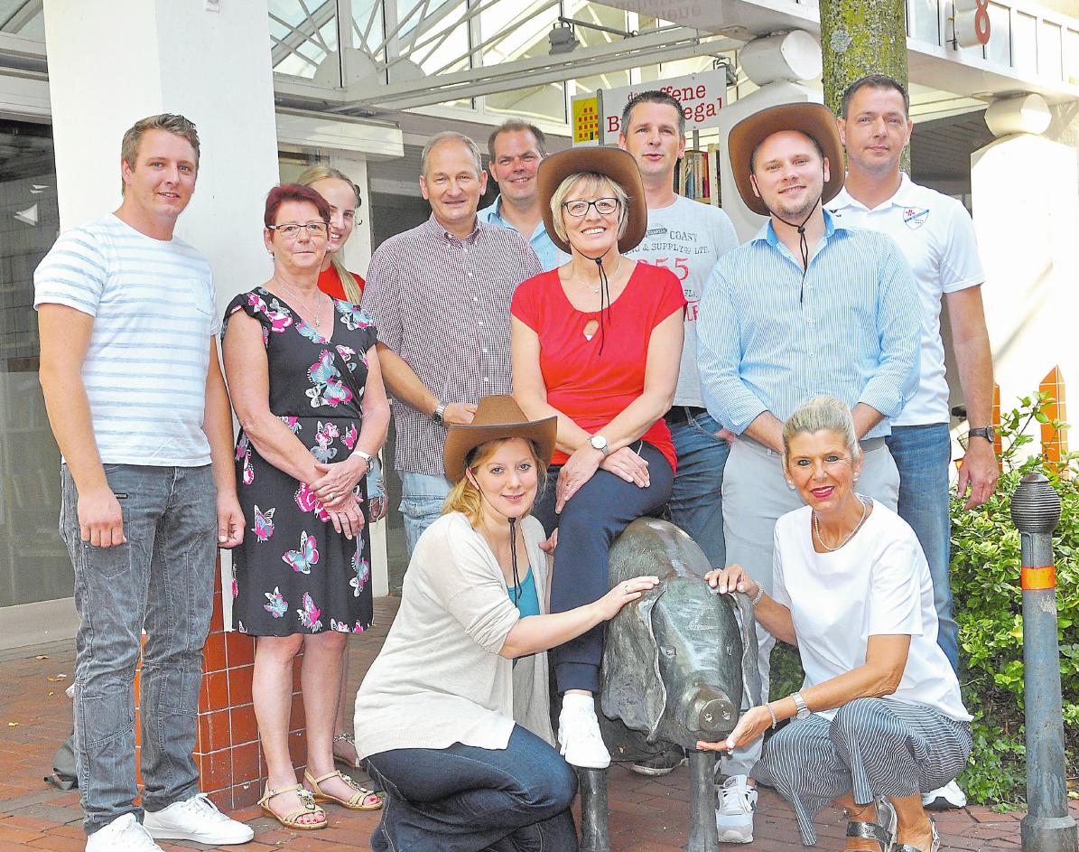 Organisatoren und alle Beteiligten hoffen, dass das Schwein auch diesmal im Mittelpunkt des gleichnamigen Borghorster Markts stehen wird. Foto: Bernd Schäfer