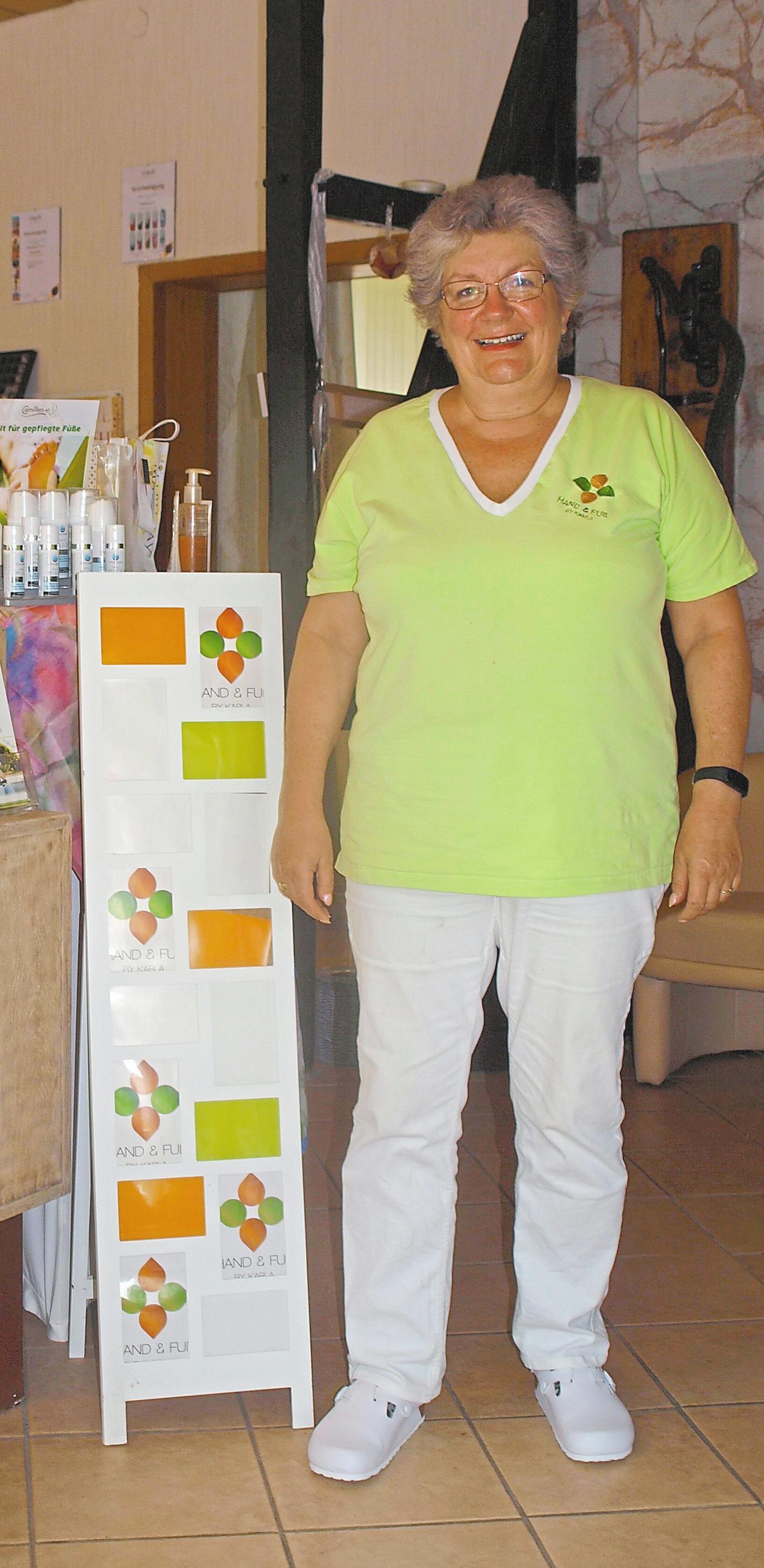 Karla Hilgers-Rajchl empfiehlt Paraffinbäder gegen trockene Haut.