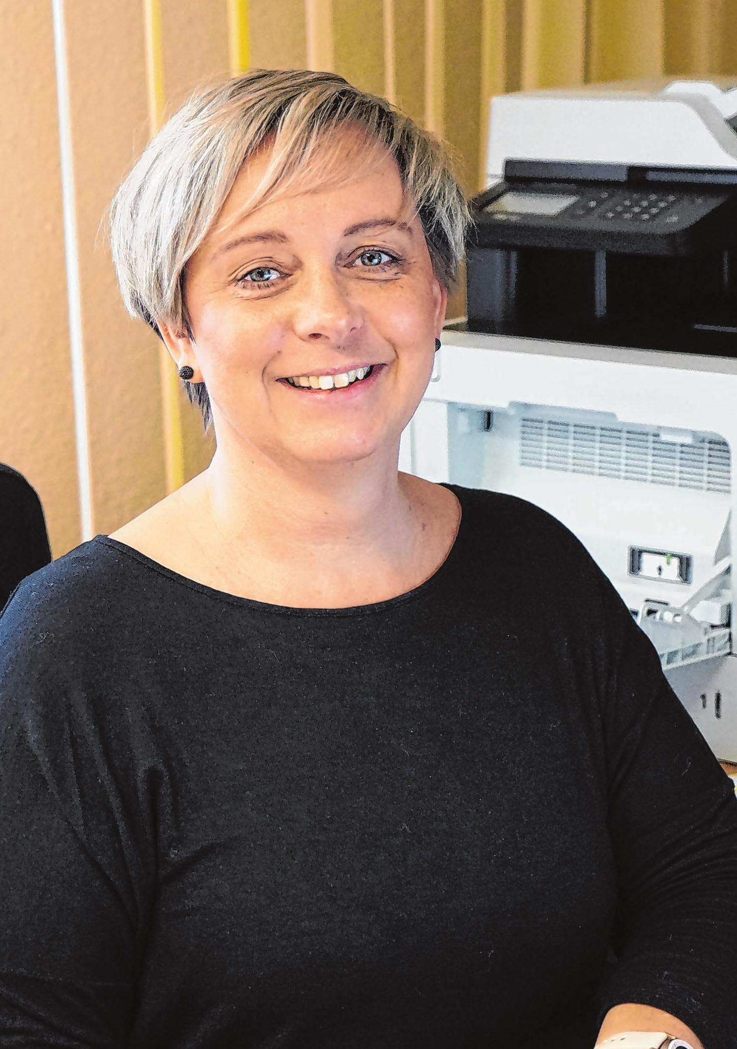"""Sylvia Peschke ist seit fast sieben Jahren bei der Sontex GmbH. Die """"gute Seele"""" des Betriebs kümmert sich um alle anfallenden Büroarbeiten."""