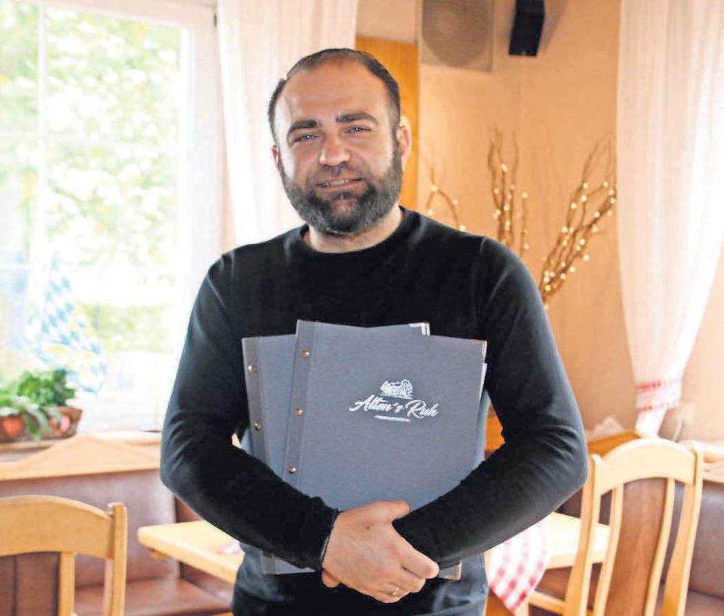 Kosta Ioannidis bietet im Ausflusglokal Alten's Ruh moderne vergane und vegetarische Gerichte, ebenso wie klassische Rinderroulade, Schnitzel und Rippchen.