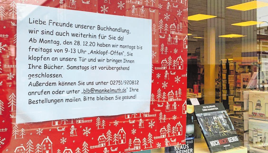 Geschlossen – und doch geöffnet: Die heimischen Unternehmen (hier die Bad Berleburger Filiale der Buchhandlung MankelMuth) sind nach wie vor erreichbar. Der Kunde muss sich nur darauf einlassen.