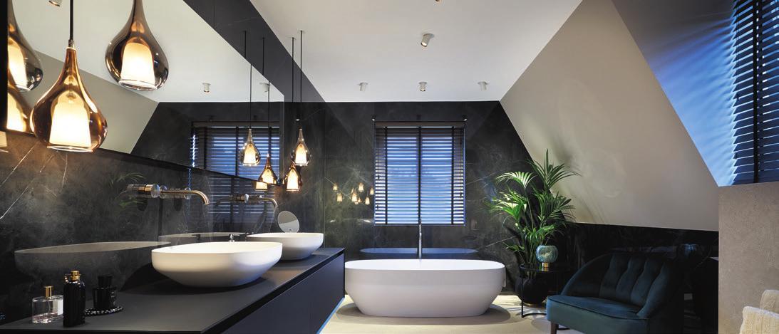Badezimmer ins perfekte Licht gerückt / Foto © Matthias Groppe