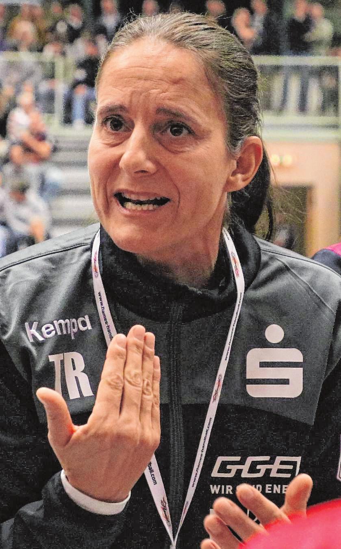 Unter Hochspannung: Flames-Trainerin Heike Ahlgrimm.