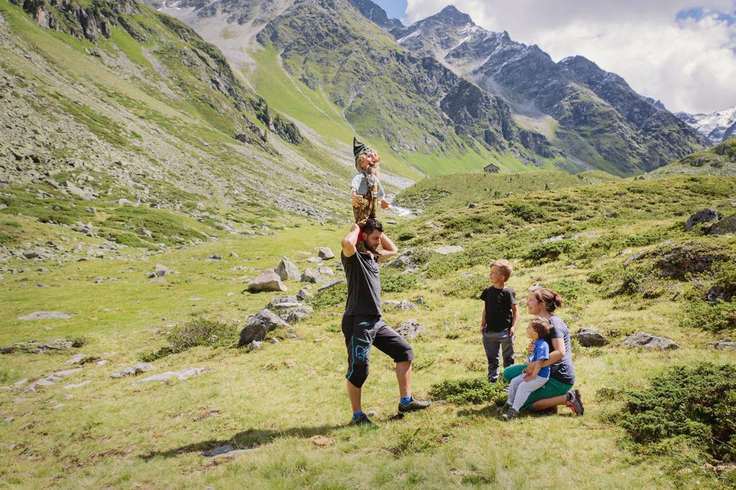Familienglück in den Bergen mit Kasimir Kraeutermandl. Foto: TirolWerbung   Verena Kathrein