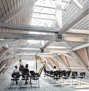 Blick in den Übungsraum: Die neuen Funktionen wurden sensibel in das bestehende, denkmalgeschützte Gebäude eingefügt.