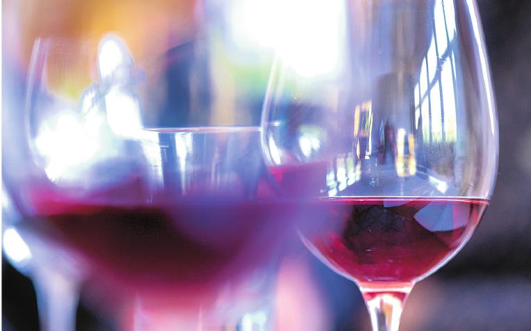 Alkoholexzesse reizen die Bauchspeicheldrüse, die sich so akut oder chronisch entzünden kann.