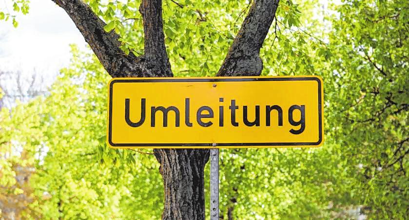 Die Seckenheimer Hauptstraße ist am Kerwesonntag für Autos gesperrt, daher sollten Autofahrer die Umleitungsschilder beachten. BILD: PIXABAY