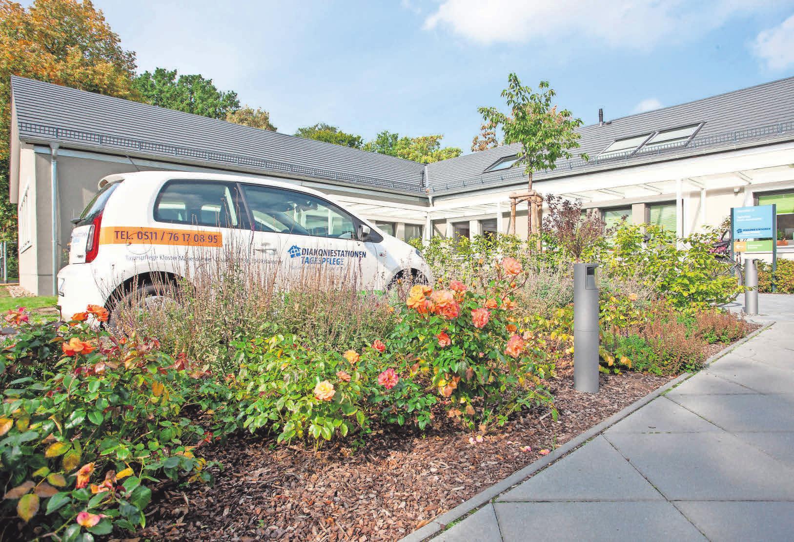 Die Diakoniestationen Hannover gGmbH versorgt mit rund 700 Mitarbeitern Kunden im Stadtgebiet Hannover. Ergänzend zur ambulanten Versorgung betreut die Einrichtung in der Tagespflege auch Gruppen oder Einzelpersonen.