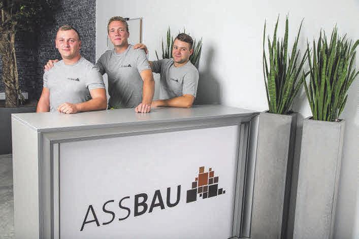 Echte Multitalente sind auch Mateusz Jan Zawadzki, Marcin Reiter und Dariusz Wilisowski. Sie sind die Fachleute für Hausanschlüsse, Tiefbau und Elektromontage.