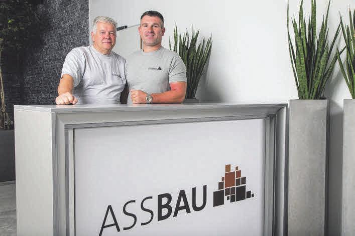 Helmut Stoppel und Adam Szczepanski haben in der Werkstatt alles im Griff.