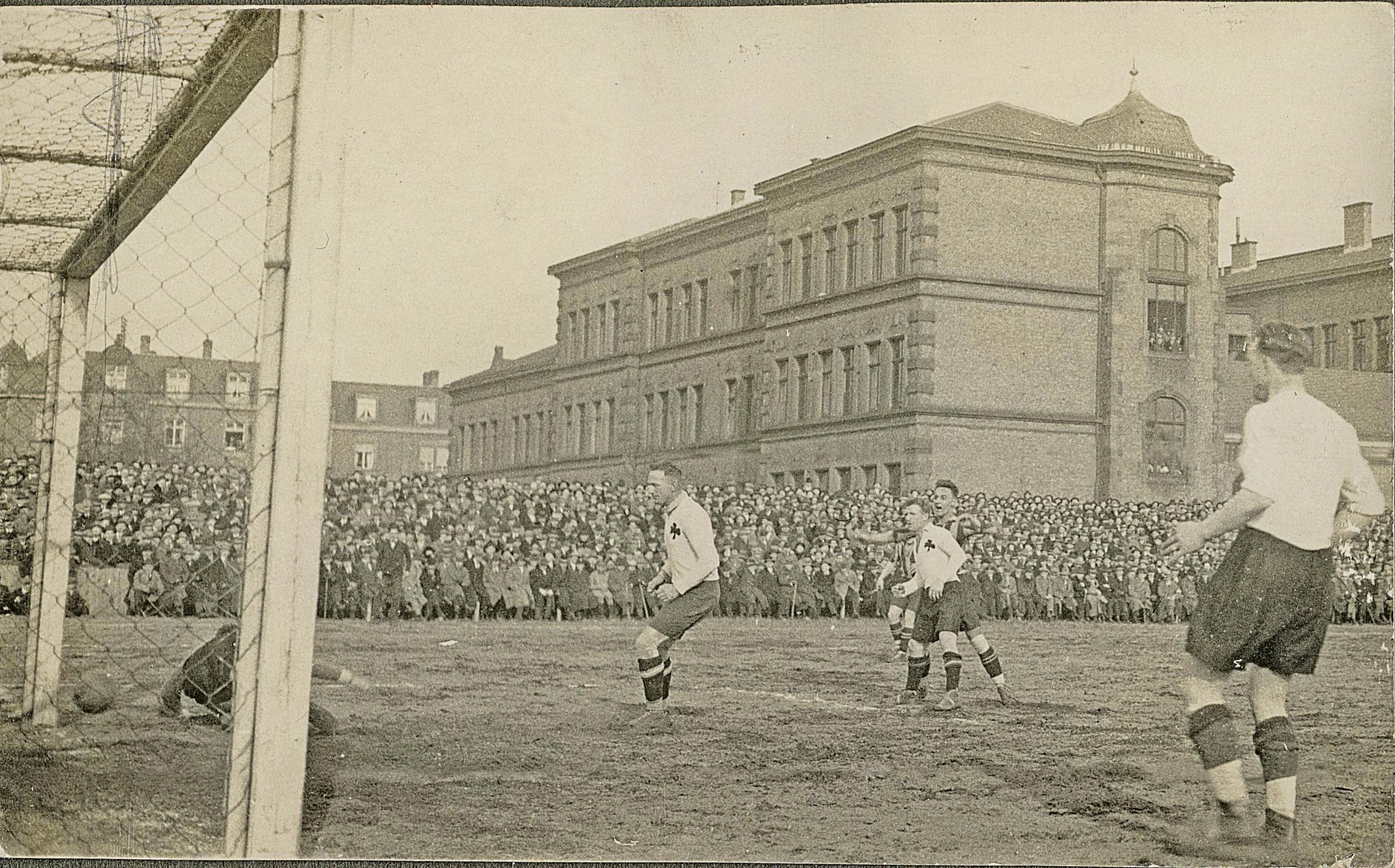 Von 1911 bis 1924 wurde der Sandacker die Spielstätte des SV Waldhof. BILD: ARCHIV B.DIETRICH
