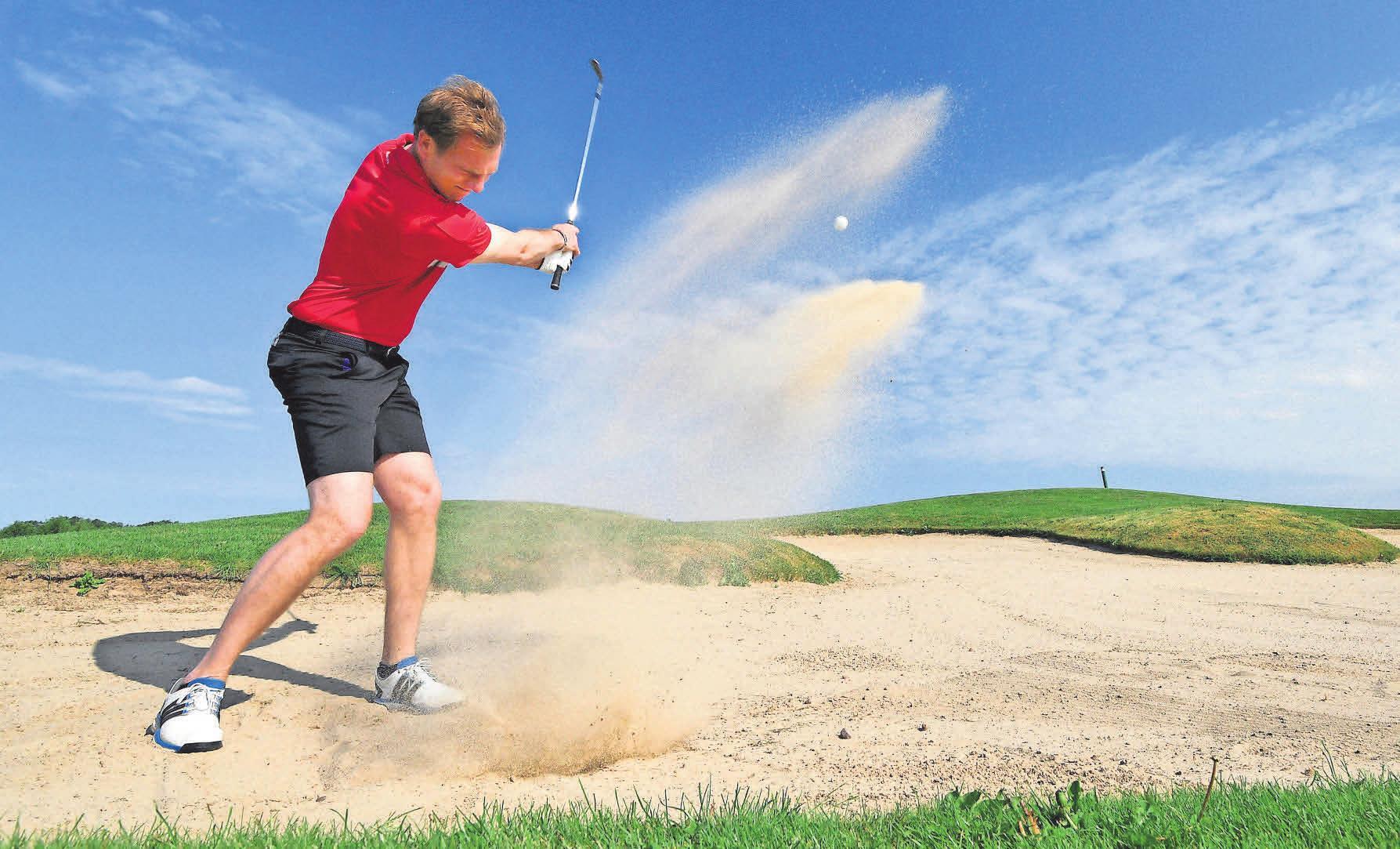 Golf spielen in Wittenbeck. Der mehrfache Landesmeister Raphael Jacobs in Aktion. Foto: Frank Söllner