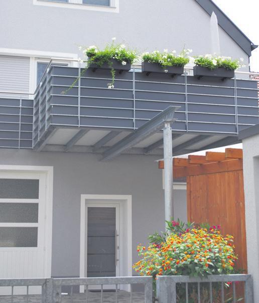 Balkon und Regenschutz.