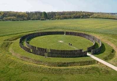 Himmlisches Rund. Das rekonstruierte Sonnenobservatorium von Goseck, Blick nach Südwesten.