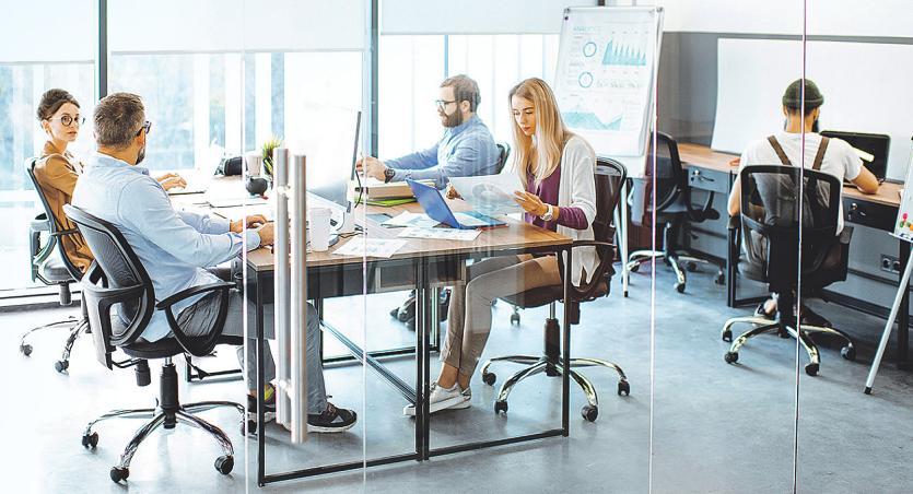 Innovative Flächenkonzepte schaffen Anreize, bald wieder im Büro zu arbeiten Bild: rh2010/stock.adobe.com