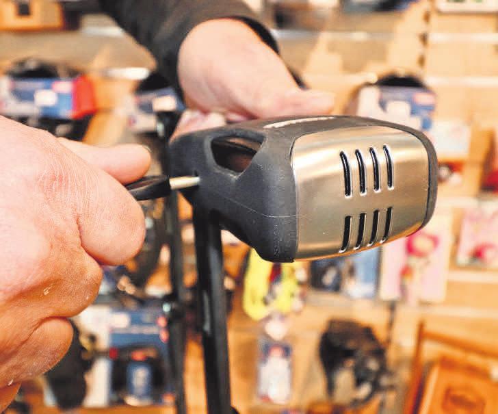 Neben E-Bikes, City- und Mountainbikes, Kinderrädern und viel Zubehör gibt es bei Pilo's auch innovative Schlösser – zum Beispiel mit eingebauter Alarmanlage.