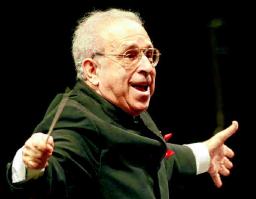 2007 Der US-amerikanische Dirigent Lawrence Foster ist der Festlichen Operngala von Beginn an eng verbunden. Das Orchester der Deutschen Oper spielte unter seiner Leitung in den Jahren 1994, 1997, 2006 und bisher letztmalig 2007. PA/SOEREN STACHE