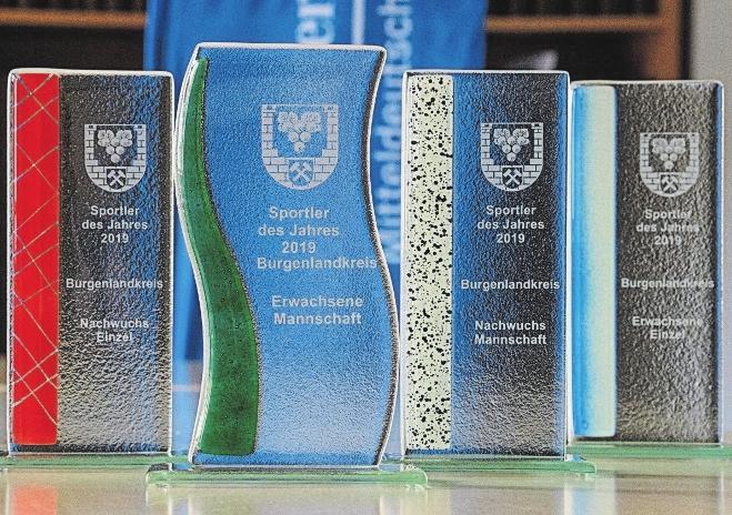 """Um diese Siegerpokale geht es bei der """"Sportlerwahl 2019 im Burgenlandkreis"""", die heute mit dieser Beilage offiziell gestartet wird. FOTO: TORSTEN BIEL"""