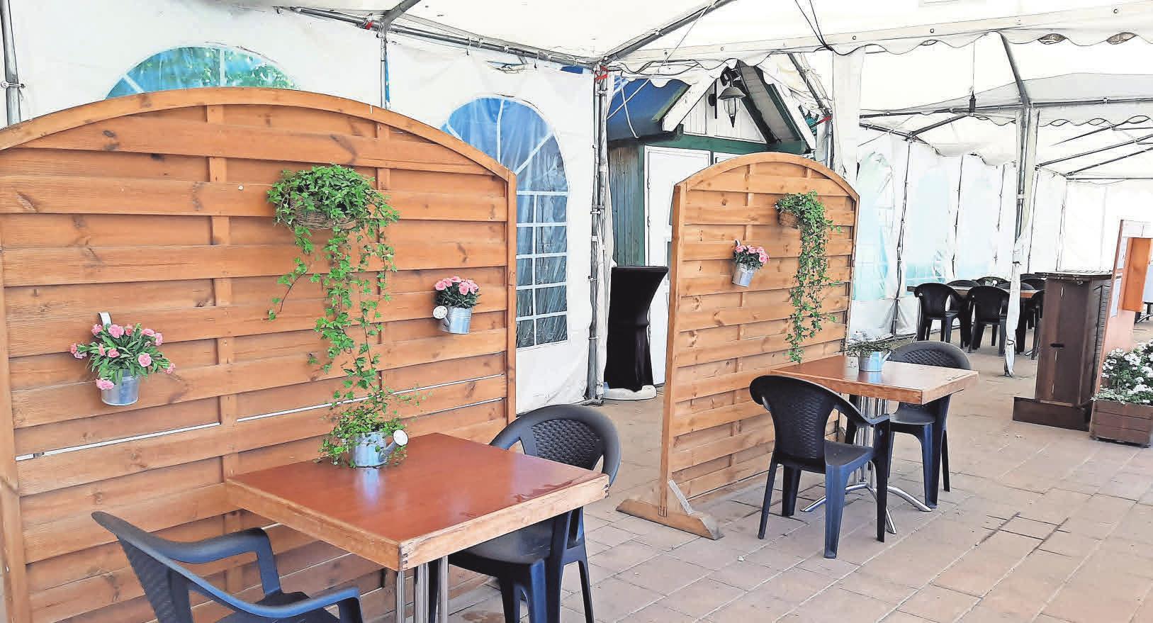 Hier können Besucher in entspannter Biergartenatmosphäre speisen.
