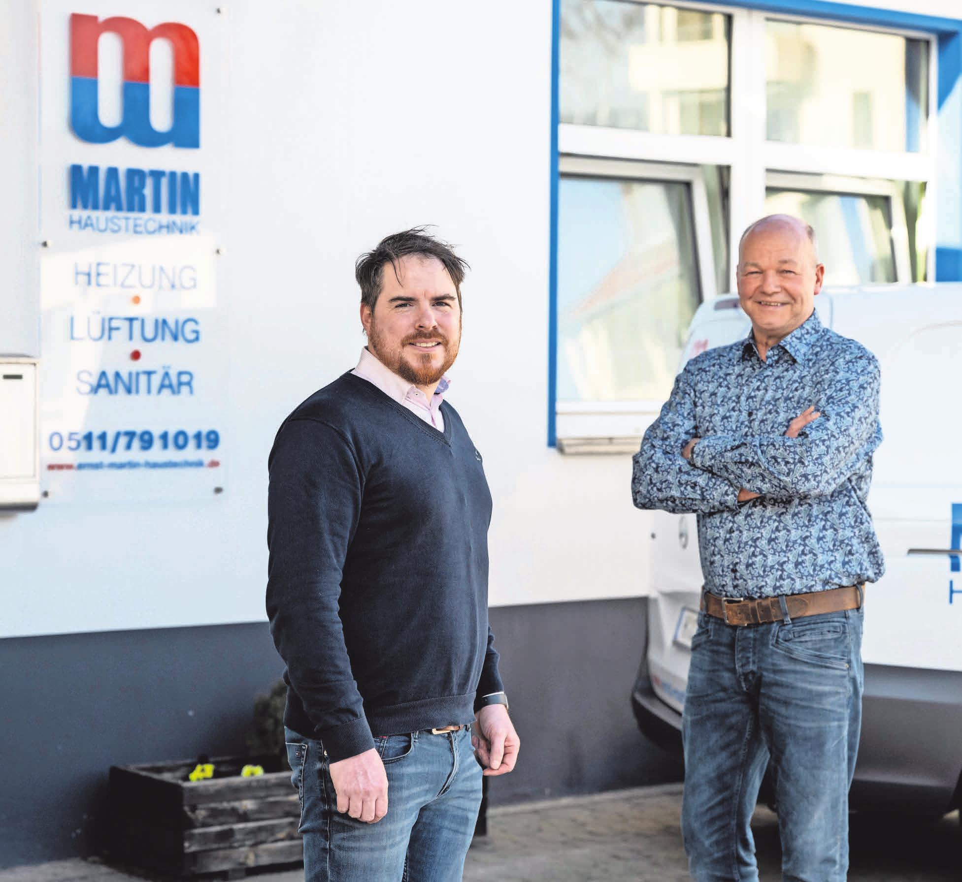 Geschäftsführer Jan-Martin Elsholz und Heizungsbaumeister Clemens Pauer führen das Unternehmen nach 50 Jahren erfolgreich in die Zukunft.
