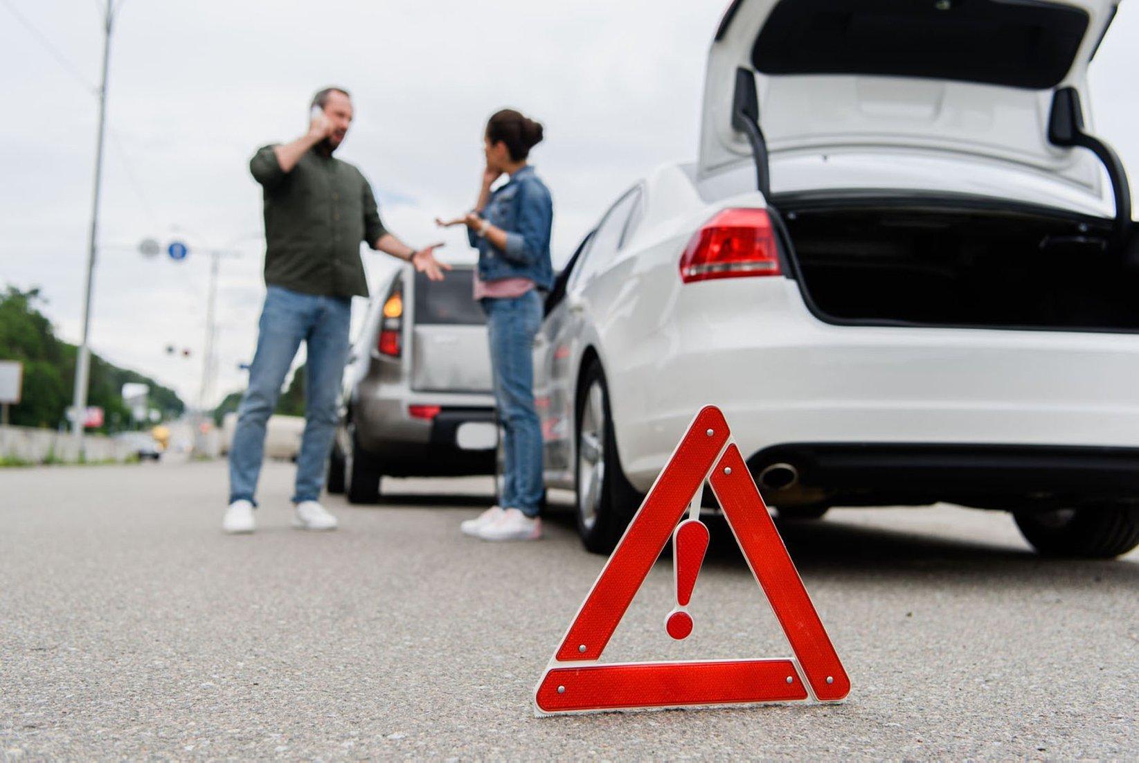 Wer auffährt, ist nicht immer grundsätzlich schuld am Unfall - den Vorausfahrenden kann unter Umständen ebenso eine Mitschuld treffen. FOTO: DJD/AUTO1 GROUP/PANTHERMEDIA/VITALIKRADKO
