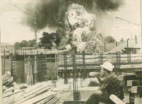 Feuerball über Garstedt: 1969 machte Carlo von Tiedemann dieses Foto, das oft nachgedruckt wurde.