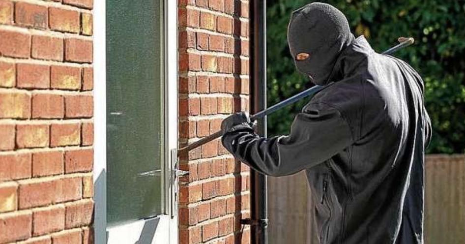 Damit keine ungewünschten Gäste ins Haus eindringen, gibt es bei Funkalarm Kiel zahlreiche Maßnahmen zum Thema Sicherheitsschutz. FOTO: FOTOLIA
