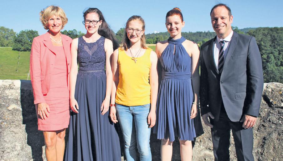 Berufsschule Lenzburg: Die erfolgreichsten Absolventinnen der Berufsmatura.