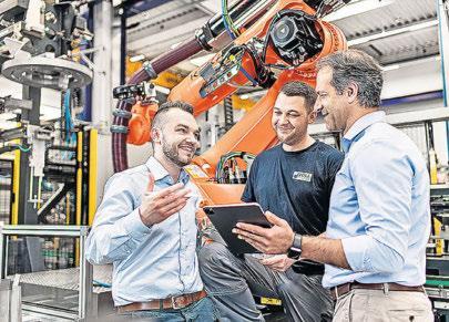 Die Mitarbeiter bei Woll Maschinenbau sind Experten für komplexe Technologien. Foto: Woll Maschinenbau