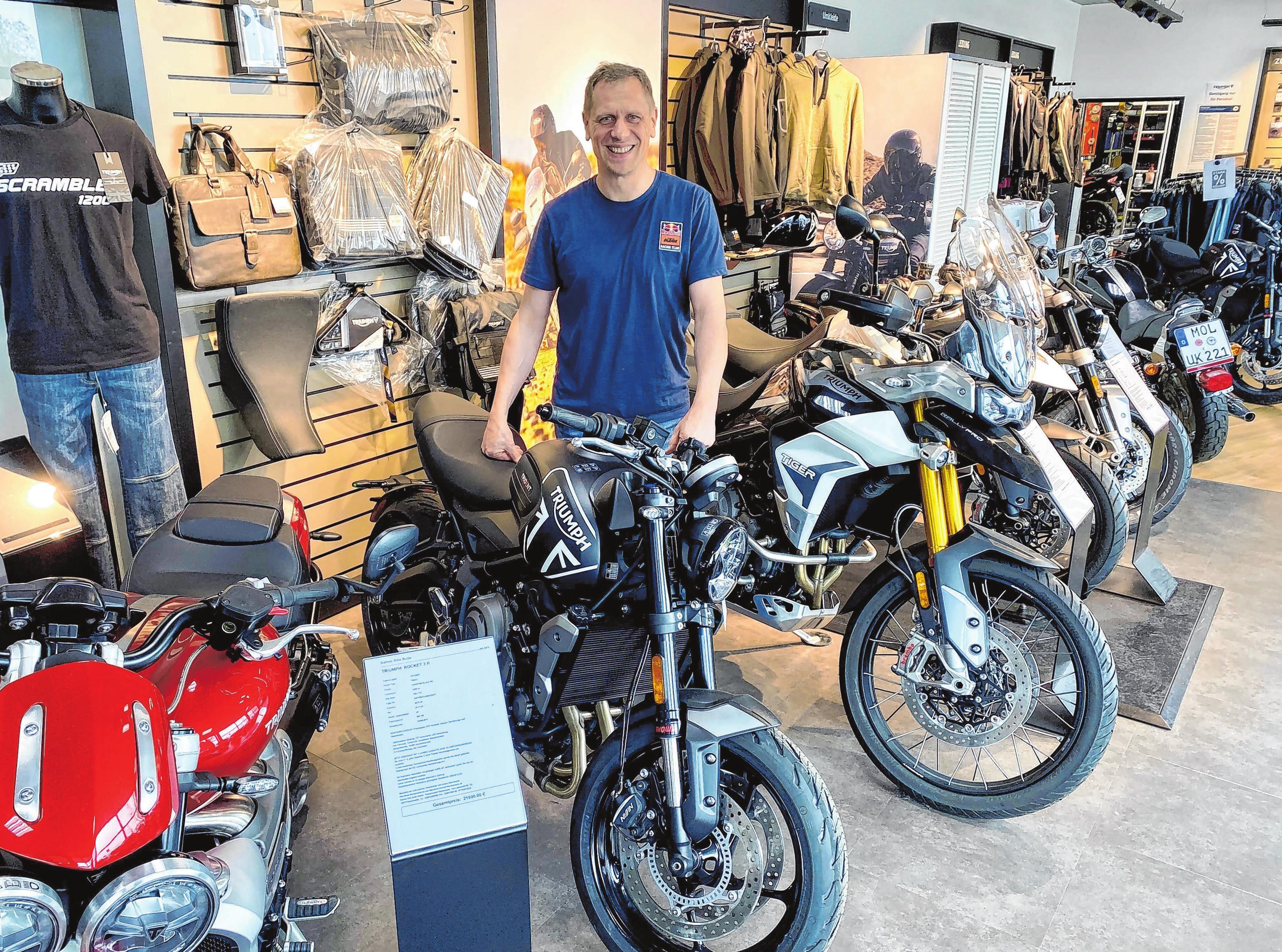 Ein neues Highlight in der vielfältigen Motorradausstellung von Bahros Bike Bude ist die 600 cm³ Trident (81 PS und einem Spitzendrehmoment von 64 Nm) von Triumph.