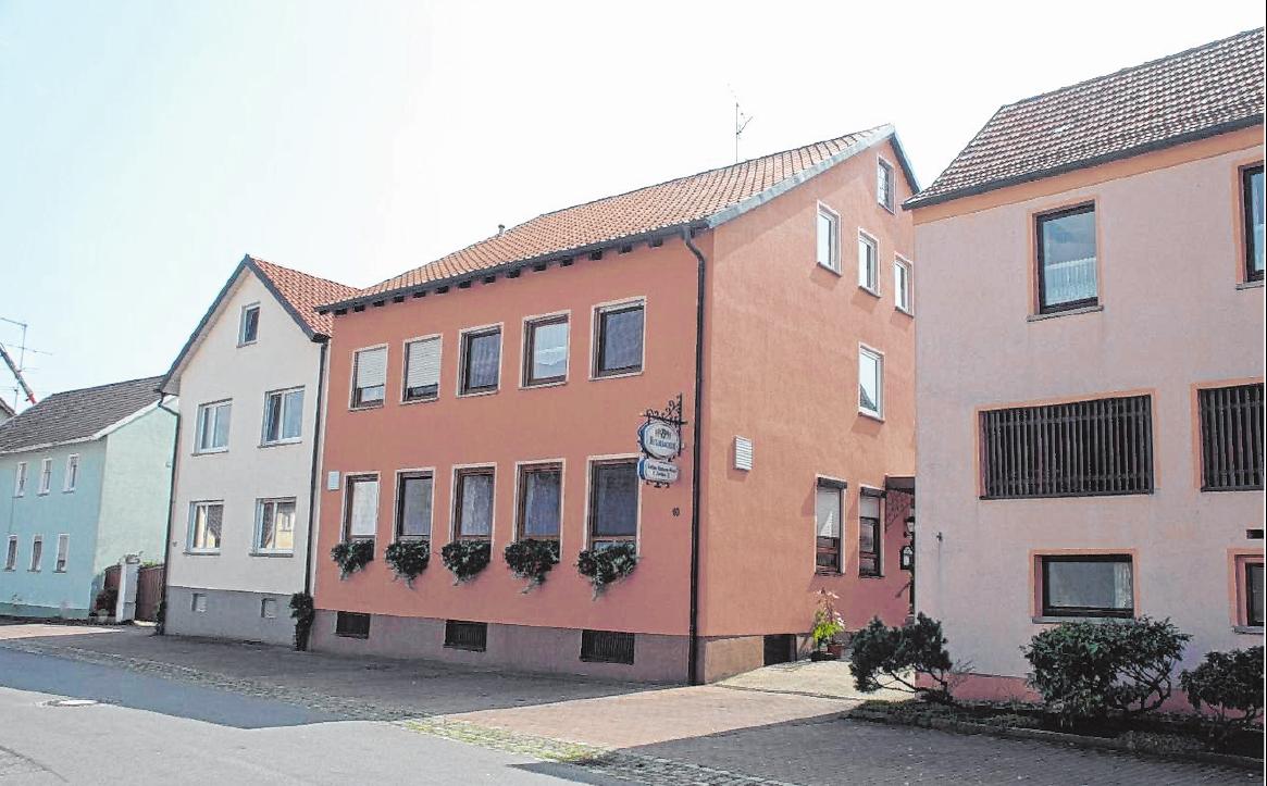 Ein beliebter Anlaufpunkt – nicht nur zur Augsfelder Kirchweih – ist das Gasthaus Mützel-Hartmann. FOTO: JOCHEN REITWIESNER