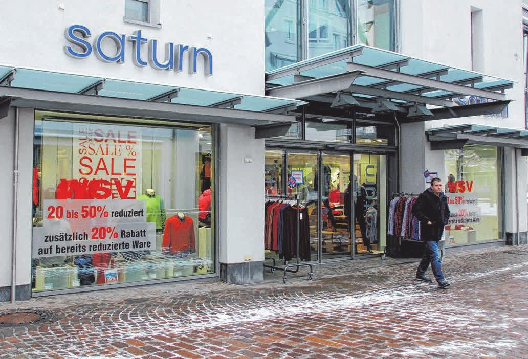 Bei Saturn Herrenmode gibt es auf bereits reduzierte Ware zusätzlich 20 Prozent Rabatt.FOTOS: MELANIE SCHIELE