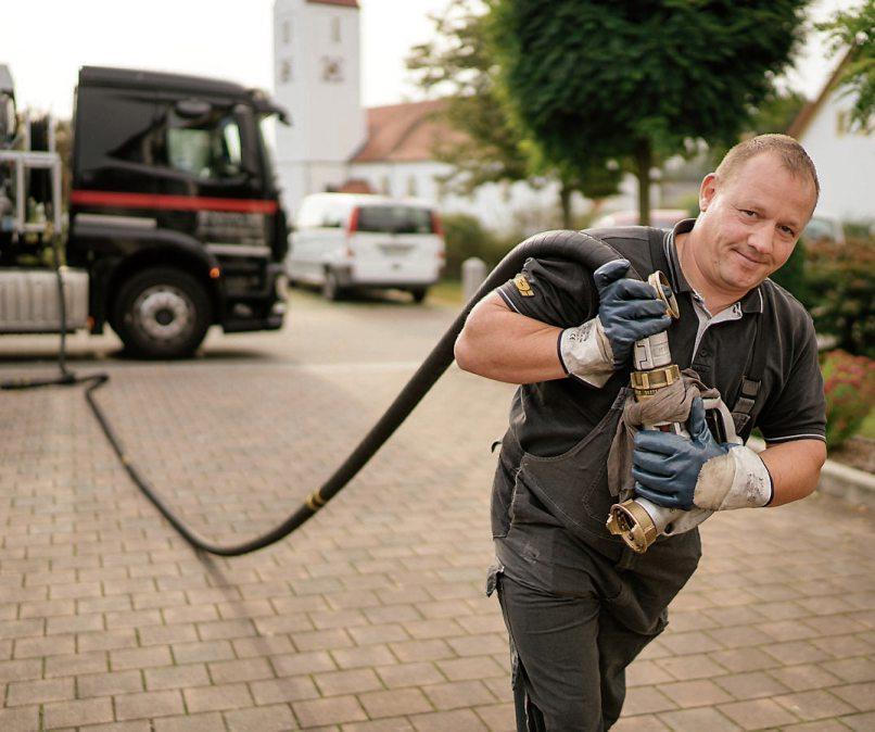 Die sogenannte R33-Brennstoffkombination wird in einem mindestens zweijährigen Praxistest in 21 Wohngebäuden getestet. Bild: IWO