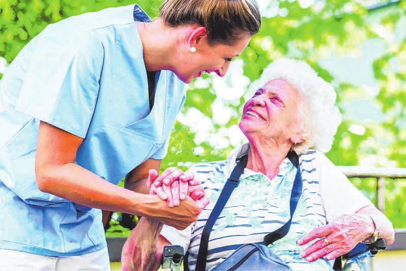 Die Arbeit in der Pflege wird wichtiger denn je. FOTO: TXN