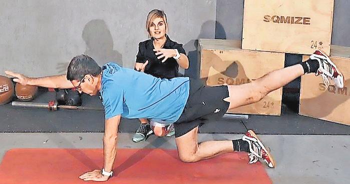 Während das Heimtrainingsprogramm anhand professioneller Anleitung die Trainierenden gezielt durch verschiedene Übungen führt. Foto: Institut für Sportmedizin