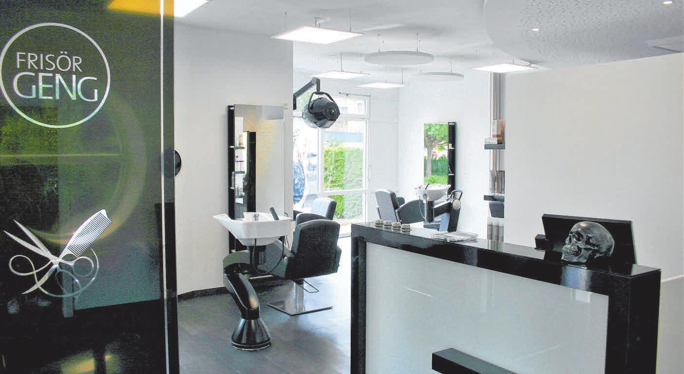 Nach der Renovierung präsentiert sich Frisör Geng jetzt in freundlicheren Ambiente mit großzügiger Raumgestaltung und moderner EDV-Beleuchtung. FOTOS: STEPHAN AUGAT