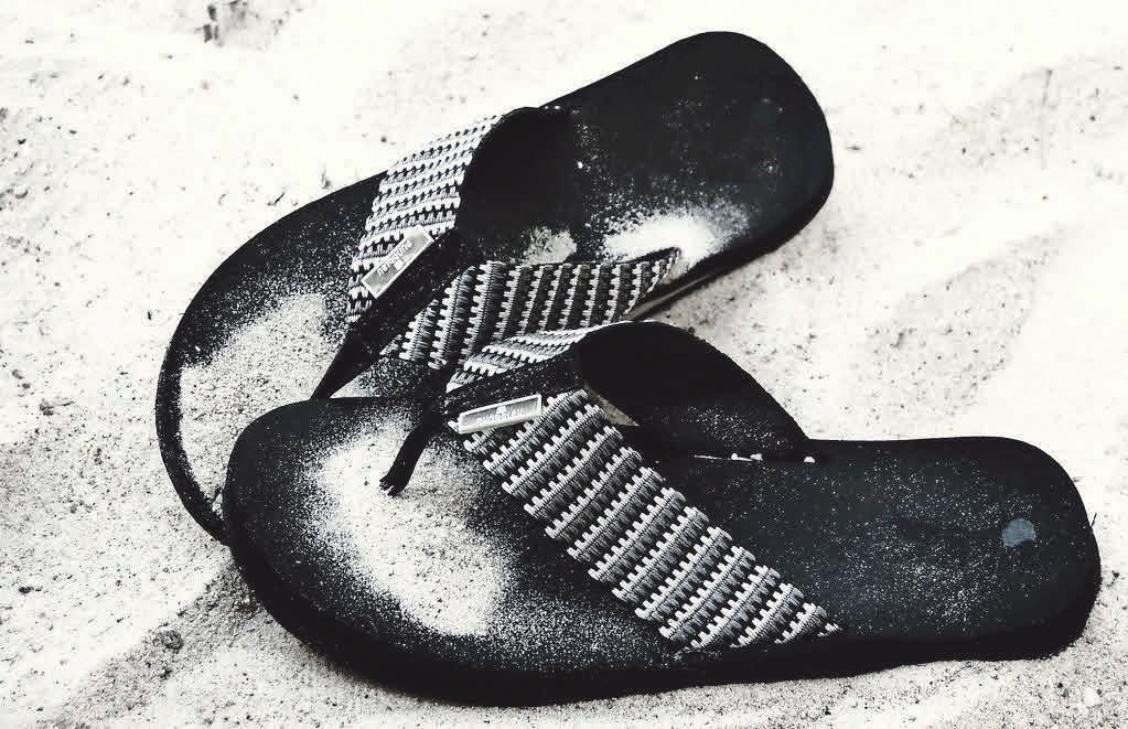 Flip-Flops gehören an den Strand und nicht an die Pedale. Foto: Pixelio.de, A. Dreher