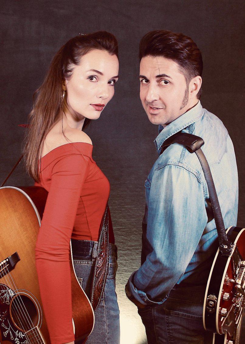"""Das Duo """"Strummingbirds"""" spielt im Rahmen von """"Horb tanzt"""" auf dem Bahnhofvorplatz und ab 22 Uhr im """"Gleis Süd"""". Bilder: """"Horb Aktiv e. V."""""""