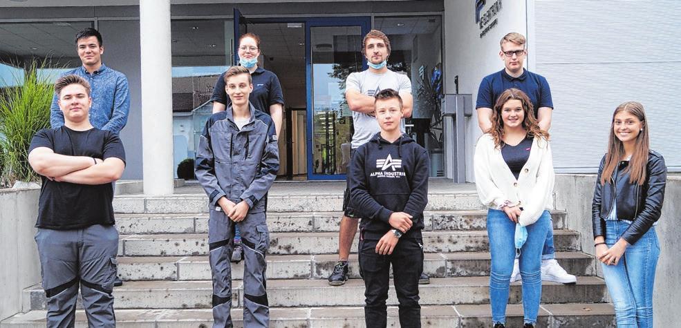 Insgesamt begrüßt das Unternehmen am Standort Marktlustenau in diesem Jahr elf junge Menschen. Foto: KE Elektronik