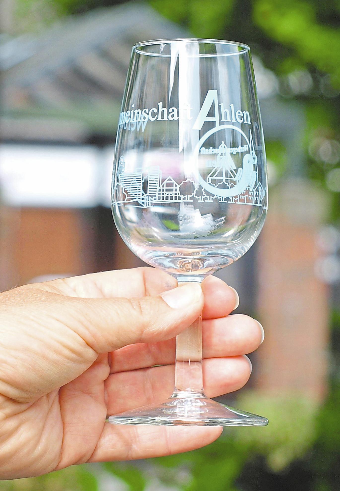 Das Aktionsglas ist wichtiger Bestandteil des Weinfestes. Foto: sdi